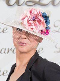 Sombrero con decoración